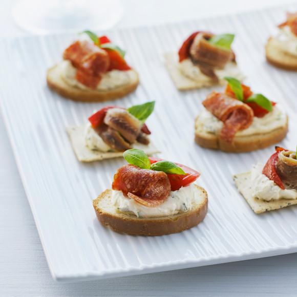 Mediterranean Mini Toasts