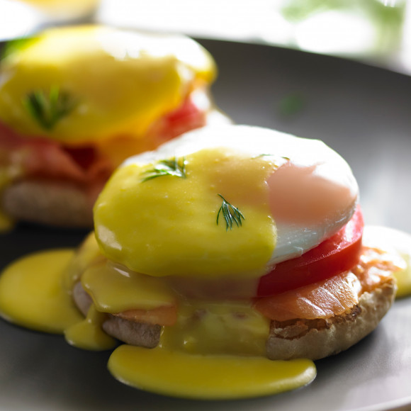 Eggs Benedict With Smoked Salmon And Hollandaise Sauce Recipe