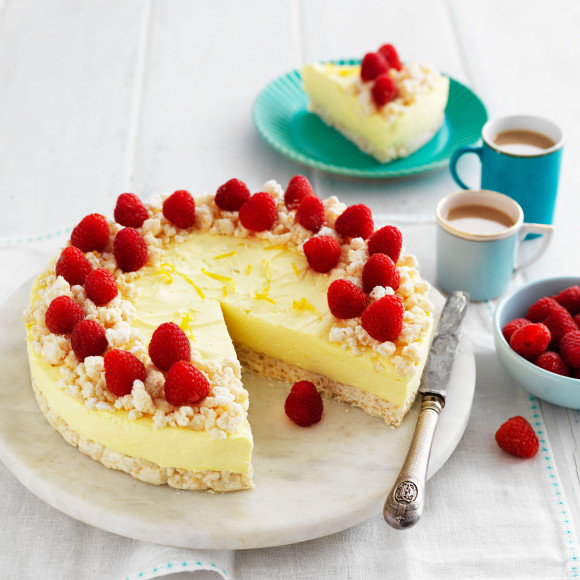 Lemon and White Chocolate Crackle Cheesecake