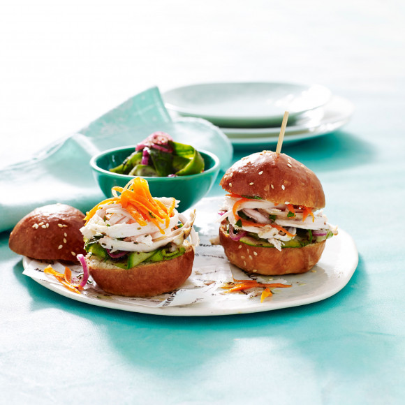 Herbed Chicken Breast Sliders with Cucumber and Red Onion Relish