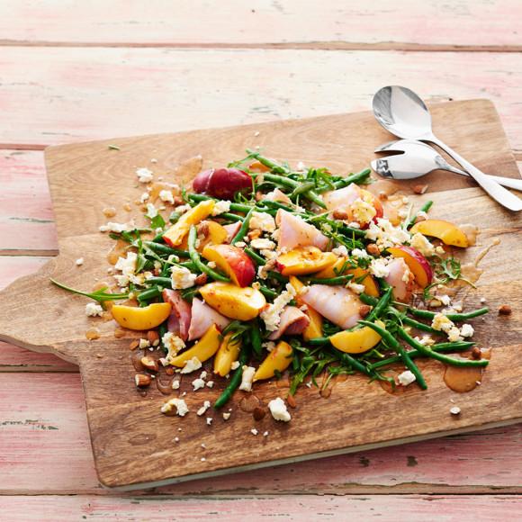 Christmas Salad Recipes.Nectarine Christmas Salad