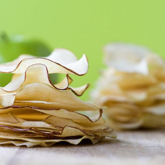 Crispy Crunchy Raw Apple Chips
