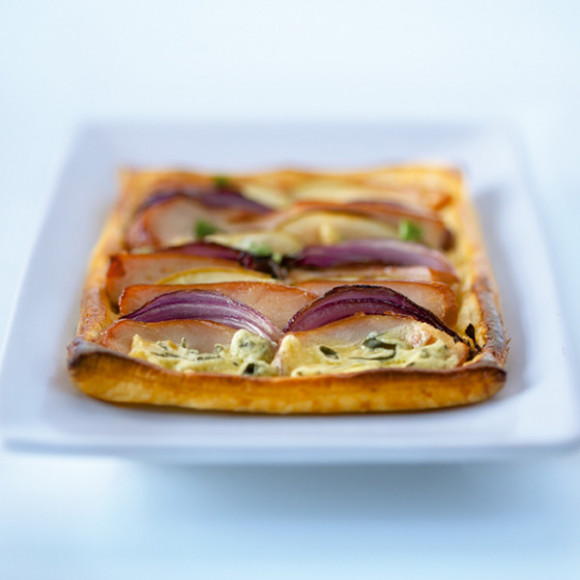 Red Onion Tarts with Brie Cheese