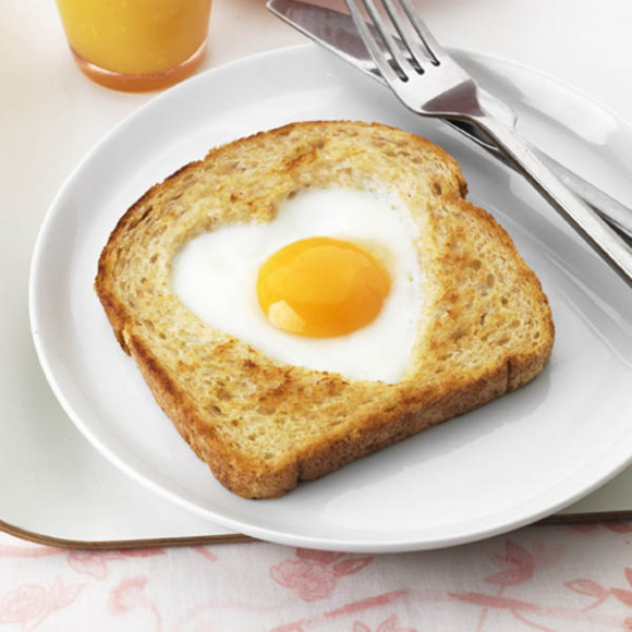 Breakfast-in-Bed Egg Toast