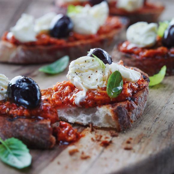 Bocconcini and capsicum bruschetta Sacla Recipes