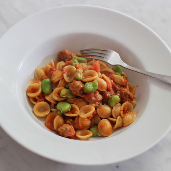 Sausage, Tomato and Broad Bean Pasta Recipe | myfoodbook