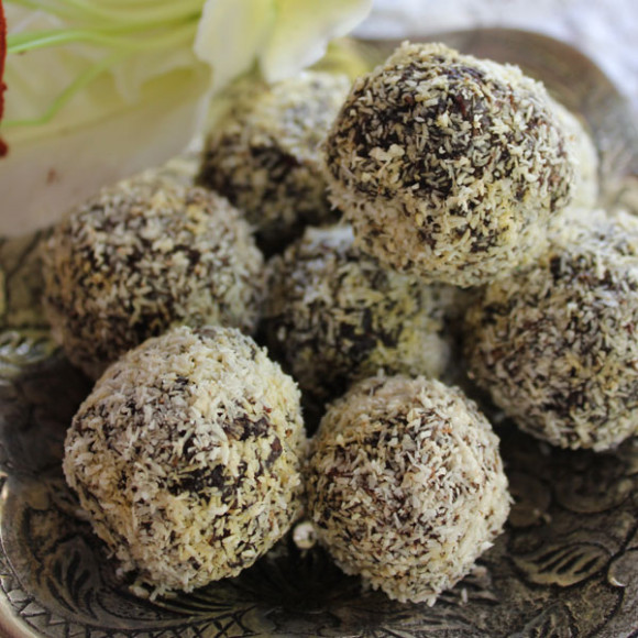 """I can't believe they are not chocolate"" Healthy Chocolate Truffles"