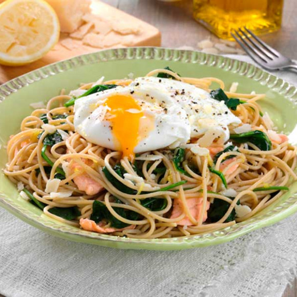 Spaghetti with Poached Egg, Fresh Salmon and Baby Spinach