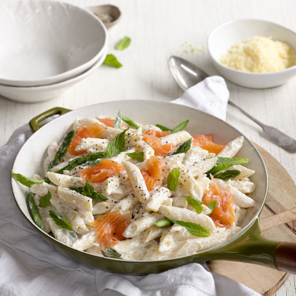 Asparagus, Smoked Salmon and Ricotta Penne Recipe | myfoodbook