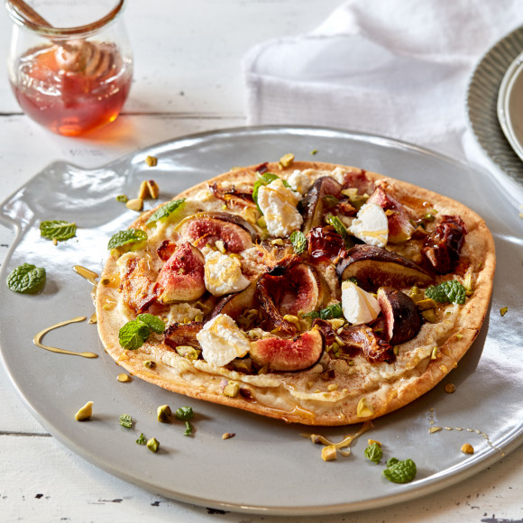 Fig, Ricotta Honey and Pistachio Sweet Pizza