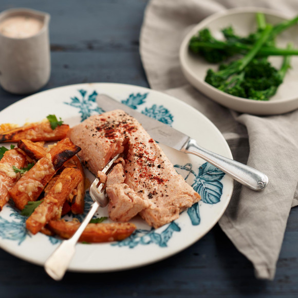 Lemon and Paprika Yoghurt Baked Salmon with Sweet Potato Chips