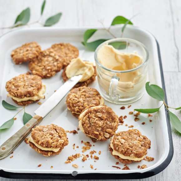 ANZAC and Golden Syrup Biscuit Sandwiches