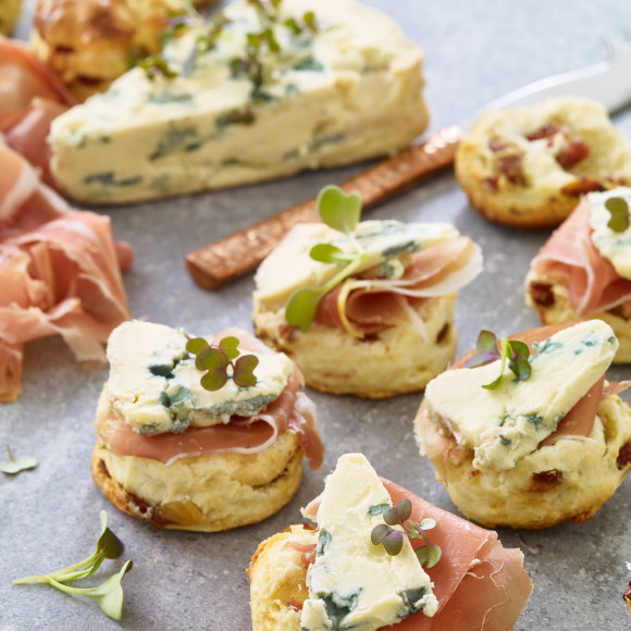 Mini Date and Fennel Scones with Blue Cheese