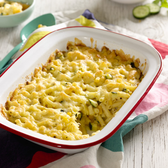 Quick Macaroni Cheese And Veggie Bake