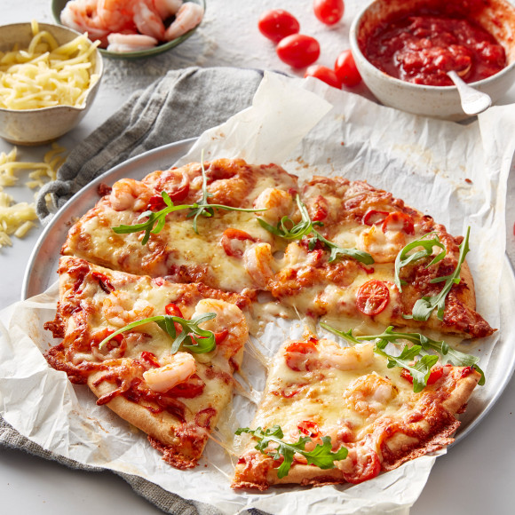 This Chilli Prawn pizza is the best prawn pizza ever. If you're looking for prawn or seafood pizza topping, this chilli, tomato and prawn pizza recipe is the best.