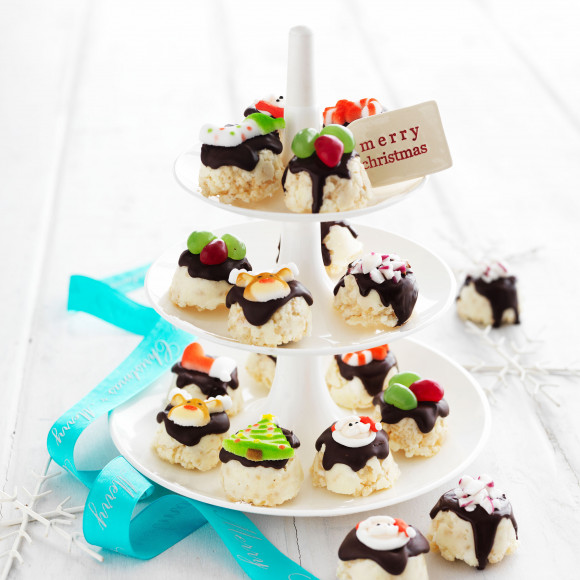 Traditional White Christmas recipe as mini Minty Treats
