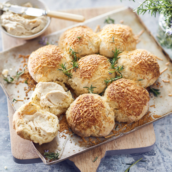 Onion and Rosemary Damper