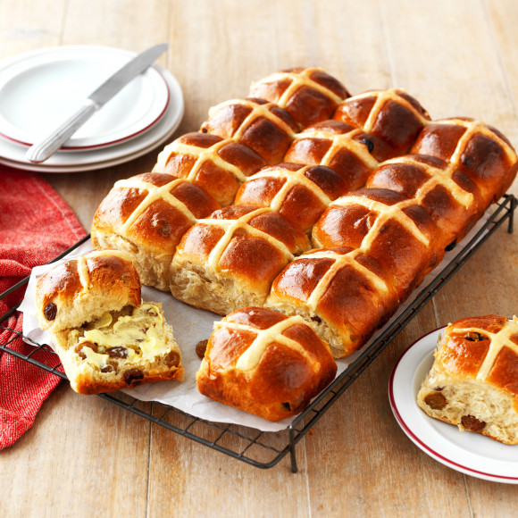 Traditional Hot Cross Buns Recipe Myfoodbook Easy Traditional Hot Cross Buns Recipe