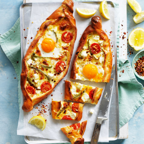 Vegetarian pide bread with eggs and tomato