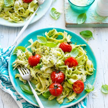 Chicken and creamy avocado pasta recipe